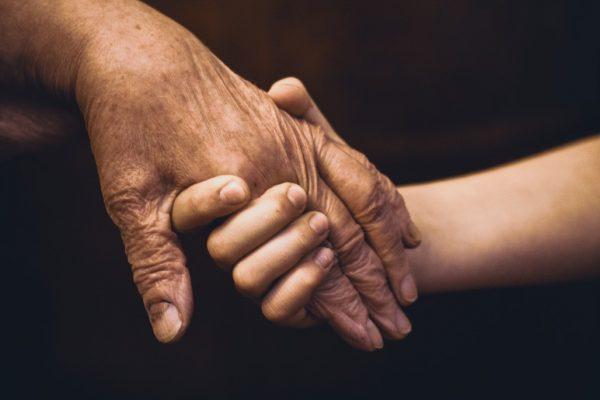 Quels sont les avantages de l'aide à domicile ?